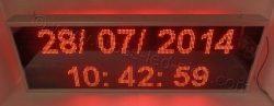 Ηλεκτρονική επιγραφή led 167 x 55 εκ. με ένδειξη ώρας ημερομηνίας στον βασικό εξοπλισμό.