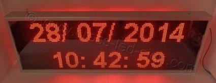 Ηλεκτρονική επιγραφή 167 x 55 εκ. ένδειξη ώρας ημερομηνίας στον βασικό εξοπλισμό.