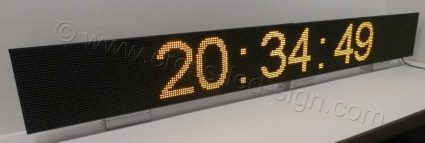 Διάσταση 256 x 32 με ένδειξη ρολόι.