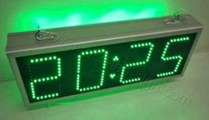 Ηλεκτρονικά ρολόγια led 69 Χ 27 εκατοστών, με πράσινα led.