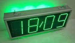 Ρολόγια led μεσαίου μεγέθους. ένδειξη ημερομηνίας.