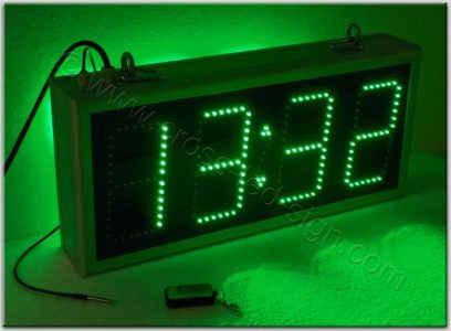 Ηλεκτρονικά ρολόγια 59 x 27 εκατοστών, με πράσινα led.
