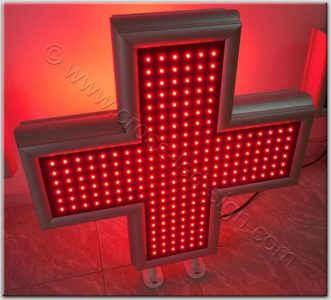 Κόκκινος σταυρός ιατρείου led 80 x 80 εκατοστά, αναμμένα όλα τα led.